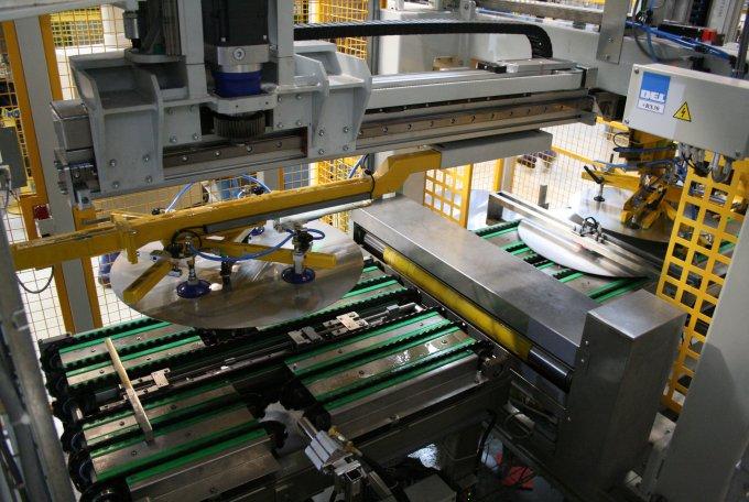 Za 10 let se budou továrny řídit samy