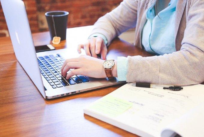 Skloňují pojem Průmysl 4.0 častěji studenti nebo manažeři z firem?